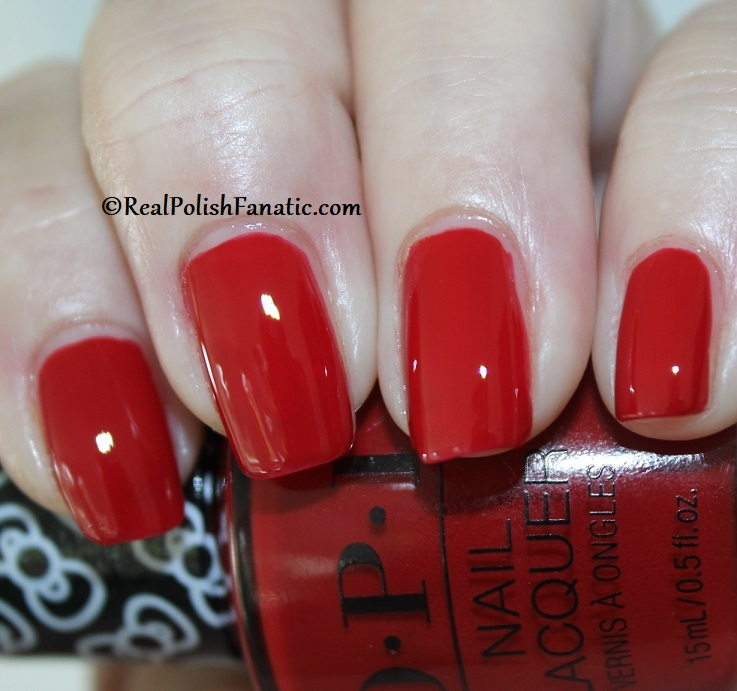 OPI - A Kiss on the Chic -- OPI Hello Kitty 2019 Holiday Collection (4)