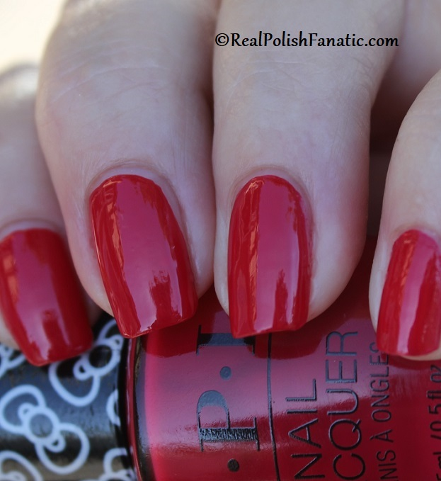 OPI - All About the Bows -- OPI Hello Kitty 2019 Holiday Collection (19)
