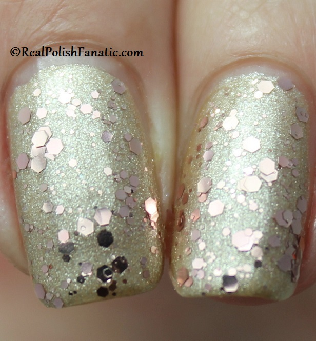OPI - Born to Sparkle over Many Celebrations to Go -- OPI Hello Kitty 2019 Holiday Collection - Glitter Trio (14)