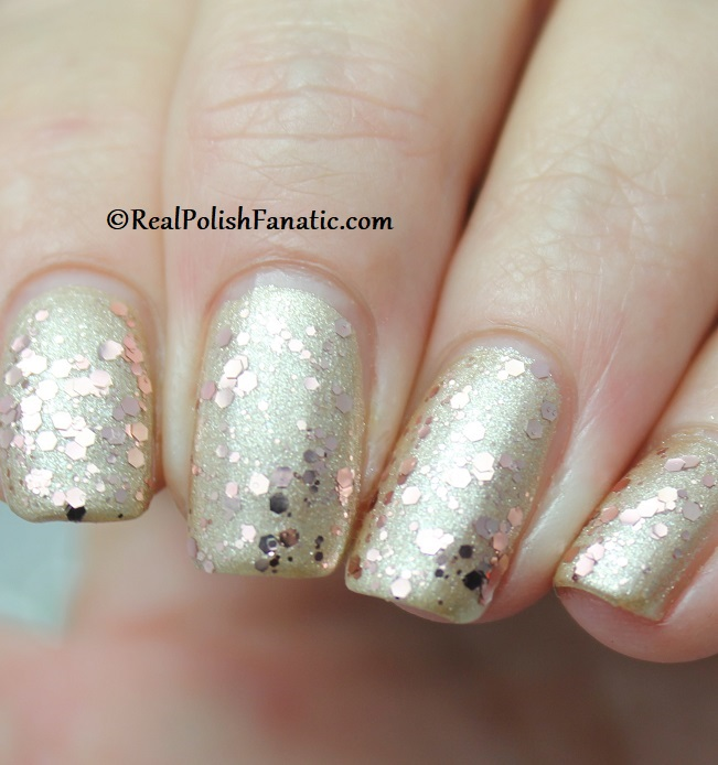 OPI - Born to Sparkle over Many Celebrations to Go -- OPI Hello Kitty 2019 Holiday Collection - Glitter Trio (15)