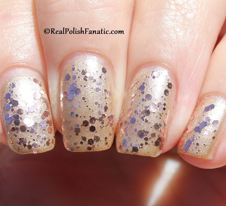 OPI - Born to Sparkle over Many Celebrations to Go -- OPI Hello Kitty 2019 Holiday Collection - Glitter Trio (24)