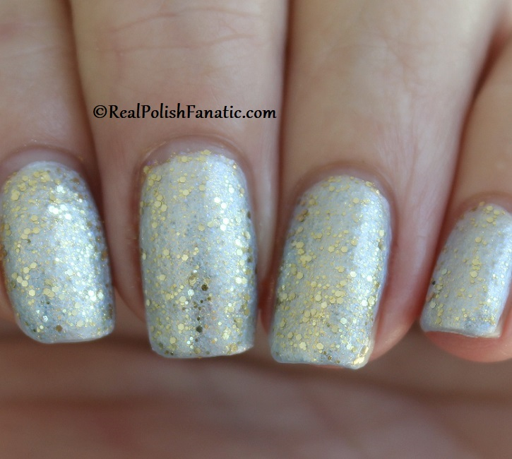 OPI - Glitter All the Way over Let Love Sparkle -- OPI Hello Kitty 2019 Holiday Collection - Glitter Trio (14)