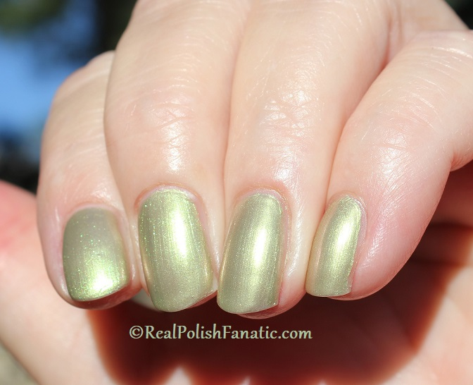 OPI - Olive For Pearls -- Spring 2020 Neo Pearl Infinite Shine (16)