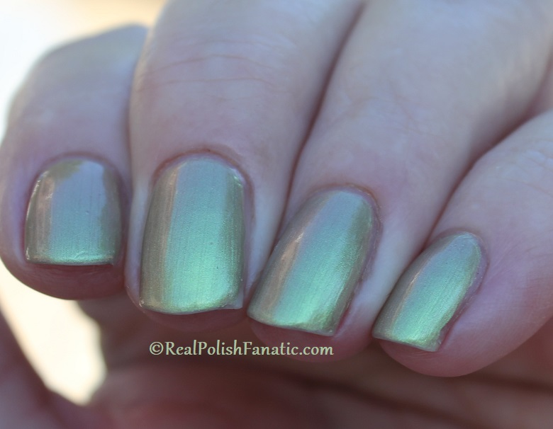 OPI - Olive For Pearls -- Spring 2020 Neo Pearl Infinite Shine (20)